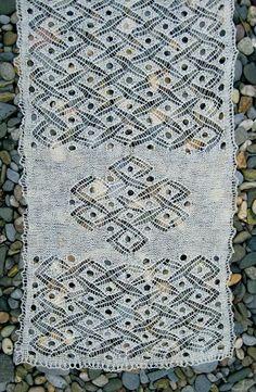 knit/lab/aran lace stole