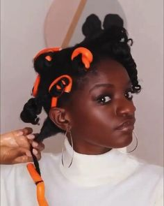 Are you like us, still struggling to achieve the perfect flexi rod set? Well, our girl Courtney blessed us with a very detailed tutorial. Protective Hairstyles For Natural Hair, Natural Afro Hairstyles, Natural Hair Updo, Natural Hair Care, Type 4 Hair, Natural Hair Tutorials, Pelo Afro, Natural Hair Styles For Black Women, Natural Hair Inspiration