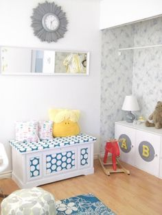 Make E's toy chest into bench with foam & fabric
