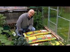 "Growbag Preparation Before Planting Vegetables (My favorite way to plant veggies or flowers, then cover with mulch if wanted. Interesting ""grow pots.""... Deb)"
