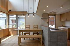 ダイニングキッチン(ナツミカンの木と家) - キッチン事例|SUVACO(スバコ)