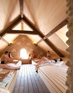 A relaxing day at spa Thermae Boetfort Music sauna Thermae Boetfort Saunas, Sauna Steam Room, Sauna Room, Steam Bath, Jacuzzi, Inflatable Hot Tub Reviews, Building A Sauna, Sauna Benefits, Sauna House