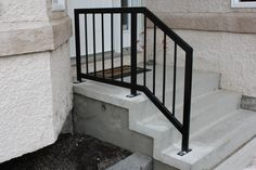 front steps railing ideas modern front step railing id love this for the of my house ideas front porch railing designs step front porch steps railing ideas Porch Step Railing, Exterior Stair Railing, Porch Railing Designs, Outdoor Stair Railing, Front Porch Railings, Front Stairs, Staircase Railings, Railing Ideas, Deck Stairs