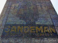 Sandeman Porto Sherry (A l'arrêt des trams et des bus à l'ULB, on peut voir cette publicité) Bruxelles -Belgique