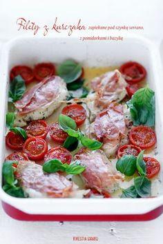 Chicken with serrano ham, basil and cherry tomato Turkey Recipes, Chicken Recipes, Dinner Recipes, Clean Recipes, Healthy Recipes, Clean Meals, Eastern European Recipes, Popular Appetizers, Baked Chicken Breast