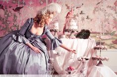 Viona-Art | Marie-Antoinette's cupcake party