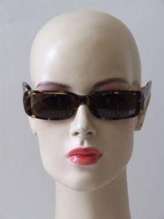 Vintage 90's Gucci zonnebril met faux tortoise gevlekt montuur Sunglasses Women, Gucci, Vintage, Fashion, Moda, Fashion Styles, Vintage Comics, Fashion Illustrations
