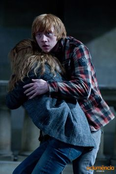 Hermione Granger and Ron Weasley Harry Potter Tumblr, Harry Potter Collage, Images Harry Potter, Saga Harry Potter, Mundo Harry Potter, Harry Potter Ships, Harry Potter Universal, Harry Potter Characters, Harry Potter World