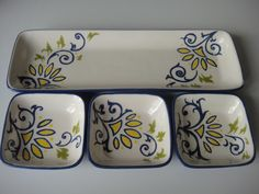 Petisqueira floral azul - Studio Seramik click now for info. Painted Plates, Hand Painted, Pottery Handbuilding, China Clay, Decorative Planters, Make Keys, Interior Walls, Interior Design, Ceramic Design