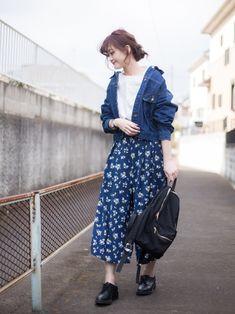 ANDJ デニムジャケット ¥3900 size:XL GU フラワースカンツ ¥1990 size