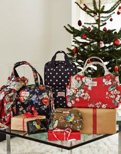 CathKidston.com > I would like literally anything from this website. I ADORE Cath Kidston and you can only find it in the UK (BUT, I recently discovered that they will ship to the U.S.!)