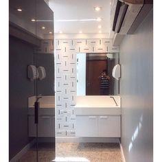 Lurca Azulejos | Azulejos Traço no projeto do @zaratemeyer  | Traço - Ceramic Tiles // Shop Online www.lurca.com.br #azulejos #azulejosdecorados #revestimento #arquitetura #reforma #decoração #interiores #decor #casa #sala #design #cerâmica #tiles #ceramictiles #architecture #interiors #homestyle #livingroom #wall #homedecor #lurca #lurcaazulejos