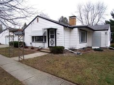 905 Grant St  Beloit , WI  53511  - $79,900  #BeloitWI #BeloitWIRealEstate Click for more pics