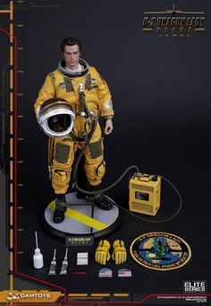 onesixthscalepictures: DAM Toys SPY PLANE PILOT : Latest product news for scale figures inch collectibles). U 2 Dragon Lady, Female Dragon, Gi Joe, Pilot, Hobby Town, 70s Toys, Military Action Figures, Model Hobbies, Marvel