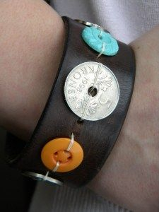 This would be cool with old coins, or better buttons.    How to make a recycled belt and button bracelet · Recycled Crafts | CraftGossip.com