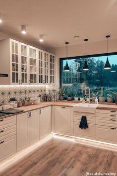 Kitchen Room Design, Cozy Kitchen, Home Decor Kitchen, Home Kitchens, Kitchen Island, Kitchen Interior, Kitchen Ideas, Farmhouse Kitchens, Outdoor Kitchens