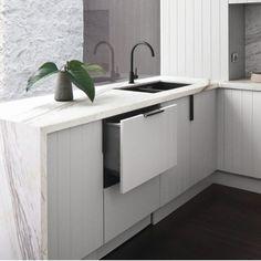 New Kitchen Black Marble Simple Ideas Kitchen Benchtops, Kitchen Tiles, New Kitchen, Kitchen Design, Elegant Kitchens, Black Kitchens, Cool Kitchens, Kitchen Black, Kitchen Cabinet Inspiration