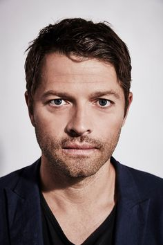 Actor Misha Collins of 'Supernatural' poses for a portrait at the Getty Images Portrait Studio Powered By Samsung Galaxy At Comic-Con International 2015 at Hard Rock Hotel San Diego on July 2015 in San Diego, California. Castiel, Supernatural Cast, Misha Collins, Matt Cohen, Jared Padalecki, Jensen Ackles, Dmitri Tippens Krushnic, Collins Image, Handsome Actors