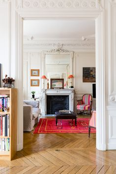 Splashes of Parisian colour