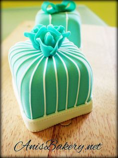 Mini Fondant Cakes by AnisBakery.net, via Flickr #desserts #sweets