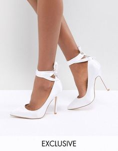 d5b96172563f AlternateText  weddingshoes Shoe Gallery