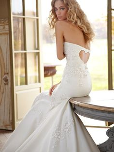 Sweetheart Back Strapless Fit-and-flare Silk Organza Embroidered Wedding Dress- love the back!