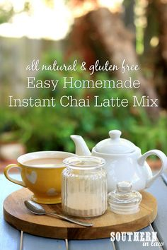 This DIY Instant Chai Latte Mix Recipe is so easy to make and so delicious to drink! Gluten free, sugar free, clean eating friendly and easy to make, this homemade drink mix can also be made paleo, vegan and dairy free. Chai Latte Mix Recipe, Tea Mix Recipe, Chai Recipe, Instant Chai Tea Recipe, Coffee Ingredients, Tea Recipes, Drink Recipes, Yummy Recipes, Healthy Recipes