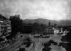 Imagen de la Acera del Casino y Fuente de las Batallas a principios del siglo XX. Torres Molina/Archivo de IDEAL