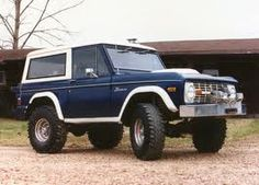 1965 Ford Bronco. saw one of these babies in Vegas my first night there. almost 100% certain it was a '65. love.