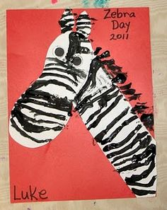 Zoo Theme What's black and white and red all over? A footprint zebra, of course! Great for a black and white theme, or an animal or zoo theme! Preschool Jungle, Jungle Crafts, Zoo Crafts, Preschool Themes, Preschool Crafts, Safari Crafts, Preschool Letters, The Zoo, Zebra Kunst
