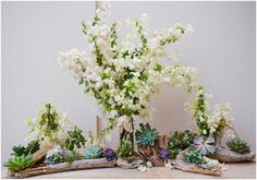 FLORAL ARRANGEMENTS FOR BEACH WEDDINGS