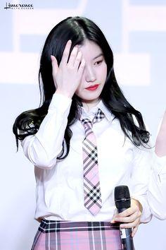 xiyeon pics (@siyeonarchives) / Twitter Kpop Girl Groups, Kpop Girls, Daniel Wellington, Shit Happens, Twitter, Park, Fashion, Moda, Fashion Styles