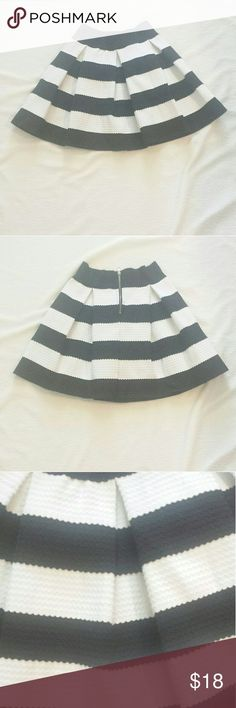 "Black & White Striped Skater Skirt EUC Black & White Striped Skater Skirt. Layflat measurements  Length: 16.5"" Waist: 16"" Skirts Mini"