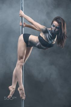66 Super ideas for fitness photoshoot poses pole dancing Pole Dance Fitness, Pole Dance Moves, Pole Dancing, Belly Dancing Classes, Dance Poses, Pole Dance Studio, Barre Fitness, Fitness Exercises, Female Dancers