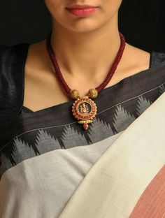 Traditional Indian Antique Jewellery For Women - ArtsyCraftsyDad Gold Jewellery Design, Bead Jewellery, Beaded Jewelry, Gold Jewelry, Gold Bangles, Gold Necklace, Temple Jewellery, Indian Necklace, Handmade Jewellery