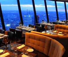 World's Top Revolving Restaurants- 360 restaurant in the CN Tower in Toronto, Canada (Travel + Leisure) eat as the restaurant moves The Rolling Stones, Pool Bar, Cn Tower Restaurant, Empire State Building, Places To Travel, Places To Go, Toronto Ontario Canada, Lakes, Viajes