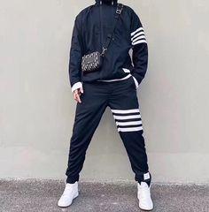 ダークブルーウールストライプパッチワイルドスポーツとレジャージャケットコートセット Bomber Jacket, Jackets, Fashion, Down Jackets, Moda, Bomber Jackets, Jacket, Fasion, Trendy Fashion