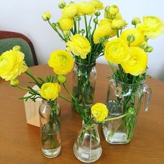 Ranunculus brightening up my table from the Market on Sunday #flowersmakemehappy