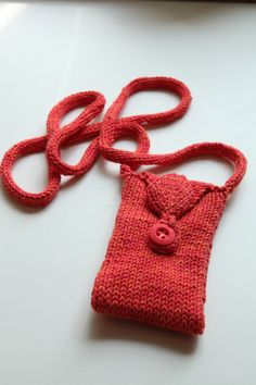 Easy   Knitted purse, no pattern just a picture but keeping it for the picture to try and knit one from just the picture.