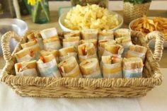 presentacion de paninis y baguettes en una fiesta en el campo - Buscar con Google