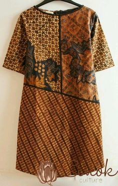 More batik ideas. I think some of this fabric is embroidered which makes it even more lush. African Print Fashion, African Fashion Dresses, Ethnic Fashion, Fashion Outfits, Emo Outfits, Blouse Batik, Batik Dress, Batik Fashion, Abaya Fashion