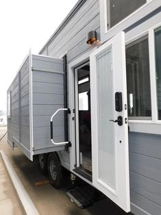 From Tiny Idahomes is the Family-Friendly Carpathian, a three bedroom custom gooseneck tiny home with two slide-outs and sleeping space for seven. Off Grid Tiny House, Tiny House Living, Tiny House On Wheels, Tiny House Luxury, Best Tiny House, Container House Design, Tiny House Design, Container Homes, Elderly Home