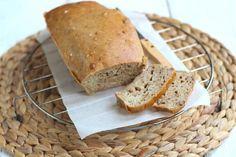 Vandaag hebben we een recept voor een banana bread waar geen suiker in zit en waardoor dit recept een stuk gezonder is en bijna net zo lekker!