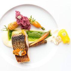 Grey mullet with carrot-coriander juice & young carrots. ✅ By - @n.henkel ✅  #ChefsOfInstagram