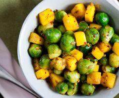 Recept: Roergebakken spruiten met mango en sjalot - Gezond eten