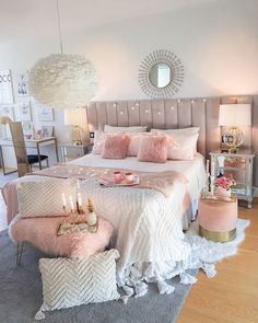 39 Pretty Teen Bedroom Design Ideas For Valentines Day To Try - homesbrowser Teen Bedroom Designs, Bedroom Decor For Teen Girls, Room Ideas Bedroom, Home Bedroom, 1980s Bedroom, Decor Room, Bedroom Furniture, Shabby Bedroom, Teen Decor