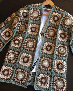 Crochet hooded baby cardigan made # Gehäkelte Babyhaube T .- Tığ işi kapşiyonlu bebek hırka yapımı Babyhaube Tığ İşi K… Crochet hooded baby cardigan making # Gehäkelt to Babyhaube Crochet Hooded Baby Cardigan Making - Crochet Hood, Gilet Crochet, Crochet Cardigan Pattern, Crochet Jacket, Knit Crochet, Crochet Squares, Crochet Granny, Crochet Motif, Crochet Patterns