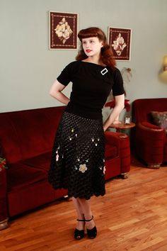 1940s black raffia knee length skirt with flower detail