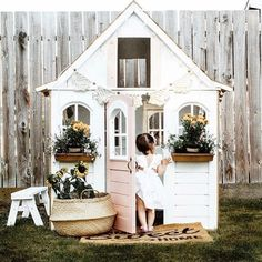 The sweetest little cubby house to swoon over by @mylifeofmuses  Good night lovelies xx