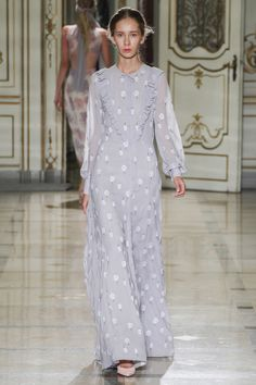 Luisa Beccaria Spring 2016 Ready-to-Wear Collection Photos - Vogue  http://www.vogue.com/fashion-shows/spring-2016-ready-to-wear/luisa-beccaria/slideshow/collection#13